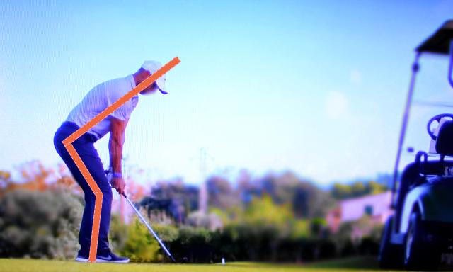 ゴルフはお尻を突き出し気味にして下半身を安定させることが大事