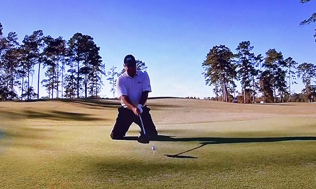 両膝をつけて打つ練習方法